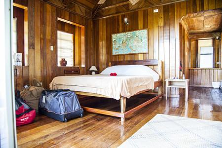 Caroline Room 1